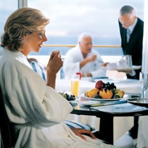 rClass-Suite-Couple-Breakfast
